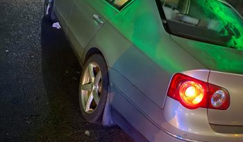 Volkswagen Passat 2006 fullan skerm