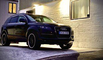 Audi Q7 2006 fullan skerm