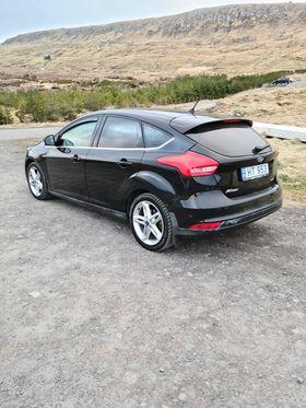 Ford Focus Titanium 2016 fullan skerm