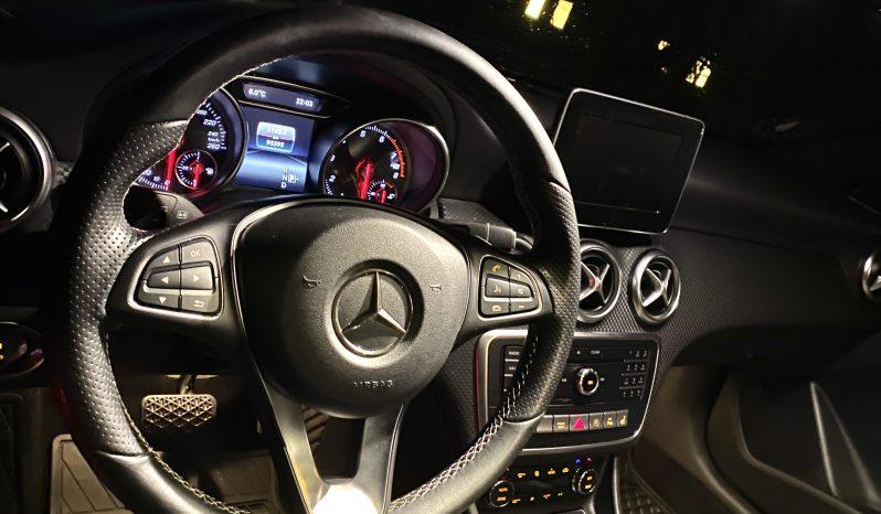 Mercedes-Benz A200 2016 fullan skerm