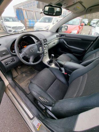 Toyota Avensis 2007 fullan skerm