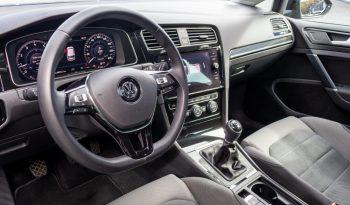 Volkswagen Golf 2019 fullan skerm
