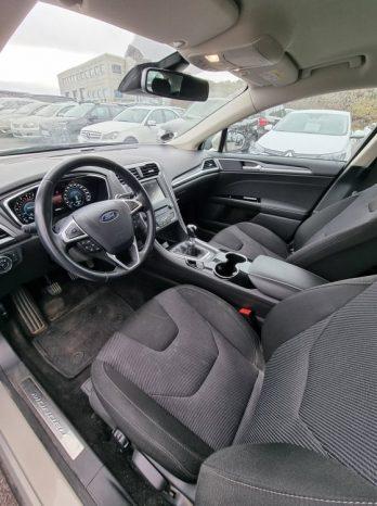 Ford Mondeo 2016 fullan skerm
